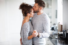 Couple_dancing_Kissing_iStock-860221342.