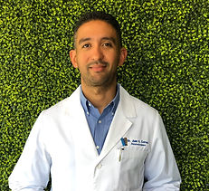 Doctor Juan Hector Correa Médico Neurocirujano y Cirujano de Columna