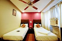 Deluxe Room (10).jpg