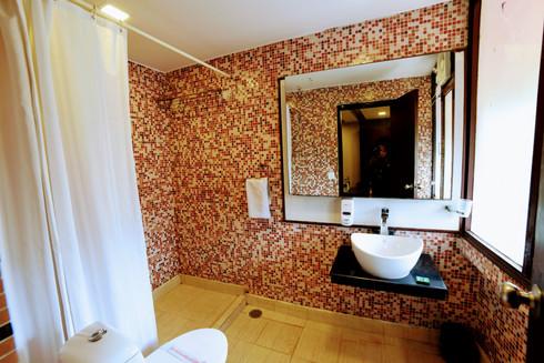 Premium Room (8).jpg
