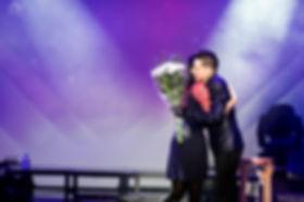 мария викторовна иосава артем каторгин цветы вручение подарок концерт артема каторгина