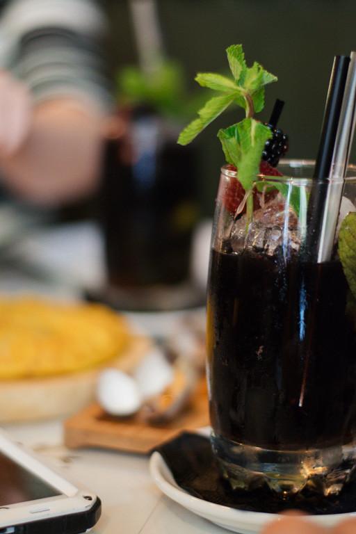 my foodie friend barcelona arume blackberry mojito