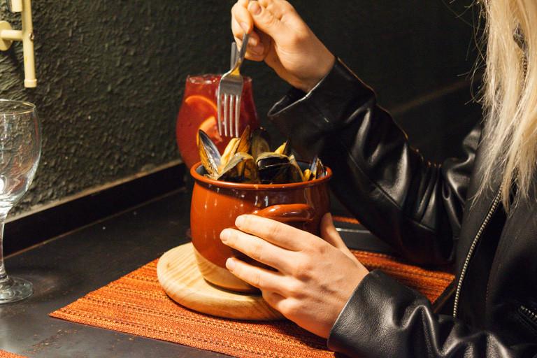 my foodie friend barcelona arume mussels