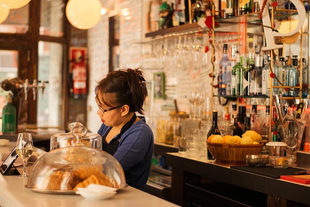 my foodie friend barcelona la pepita waitress