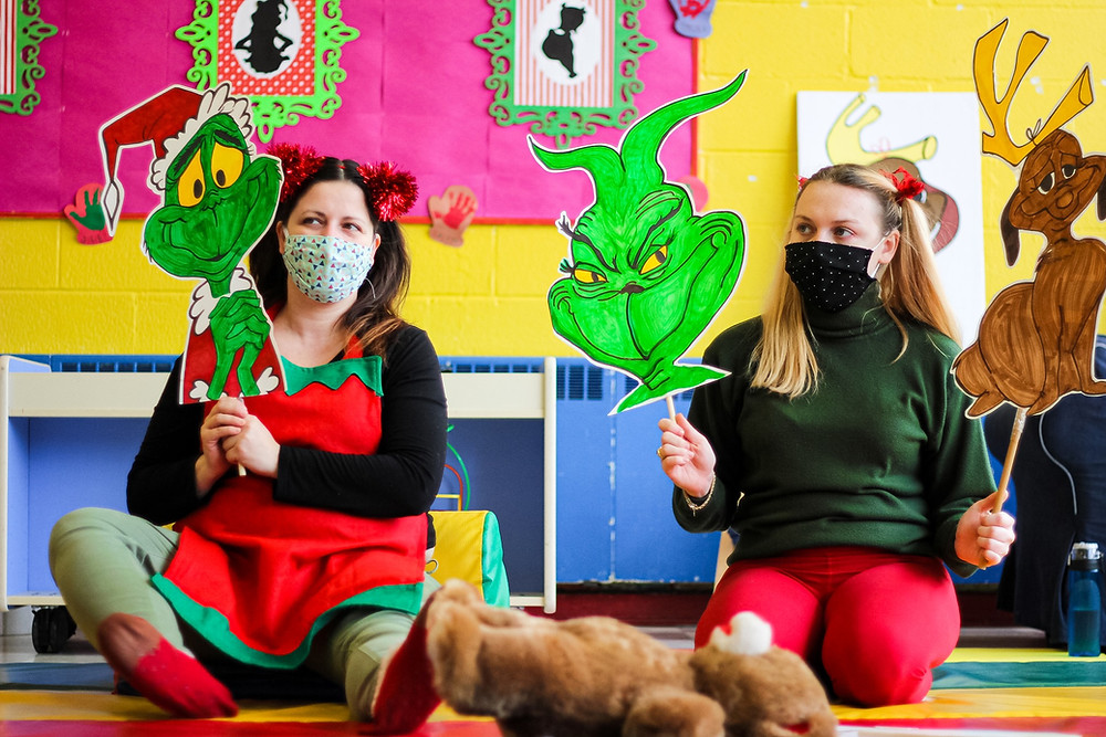 How the Grinch Stole Christmas puppet show