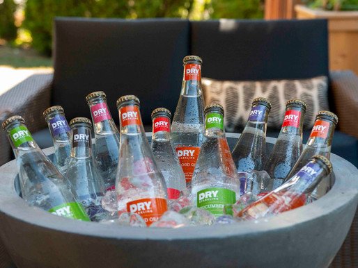 DRY Botanical Bubbly – Centerpiece Drinks for Summer Entertaining