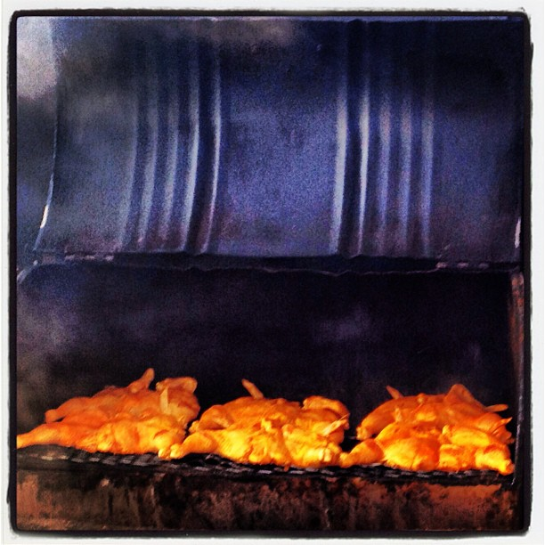 _Where there is smoke, there is flavor_ CHICKEN! #aypapaquerico #amazing #photooftheday #delicious #