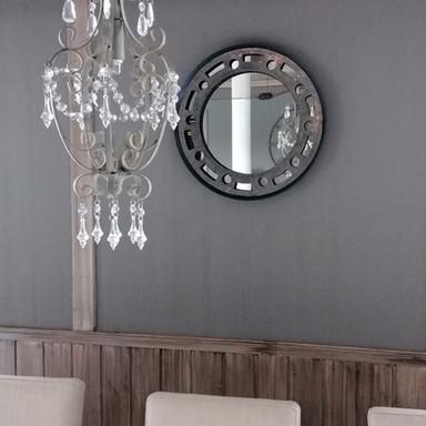 Pernillestaua - Speil og lampe