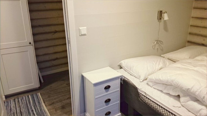 Bedroom with double or 2 single beds