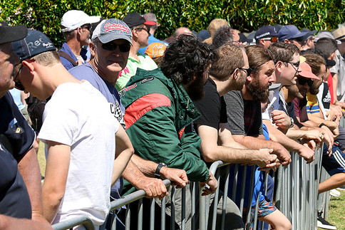 Crowd at fence.jpg