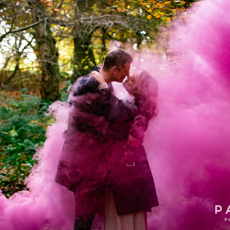 Lais & Joe // Engagement session with smoke bombs