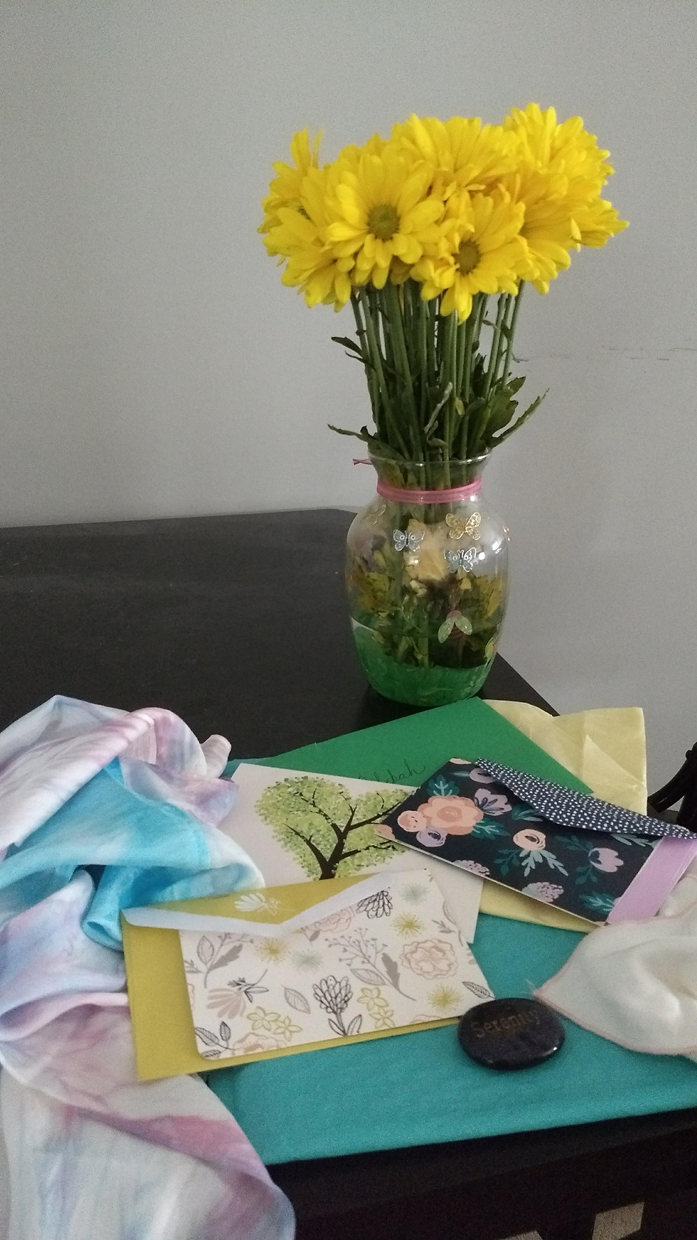 flowers, cards, scarf, miscarriage support