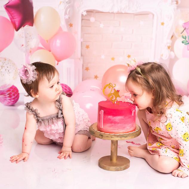 pastel pink cake sisters
