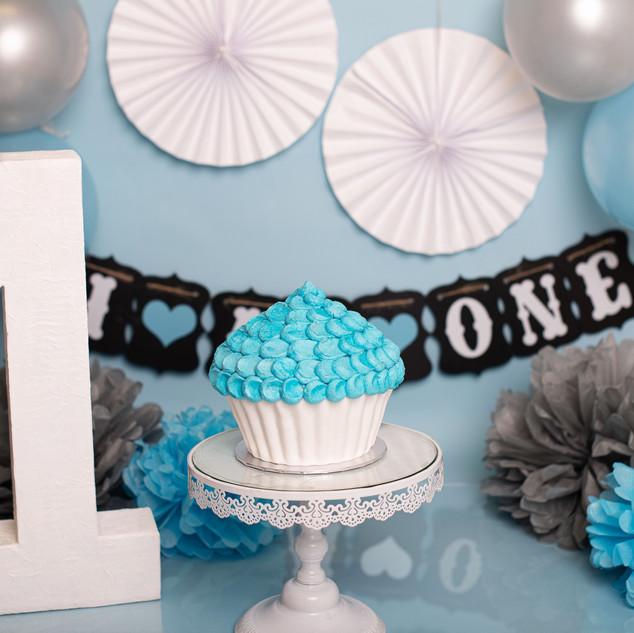 Baby blue cake