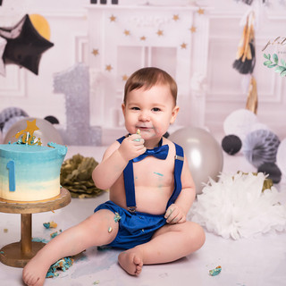 Navy tie smash cake
