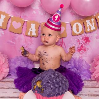 pink baloons smash purple cake 1
