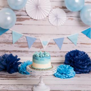 Baby blue wood cake