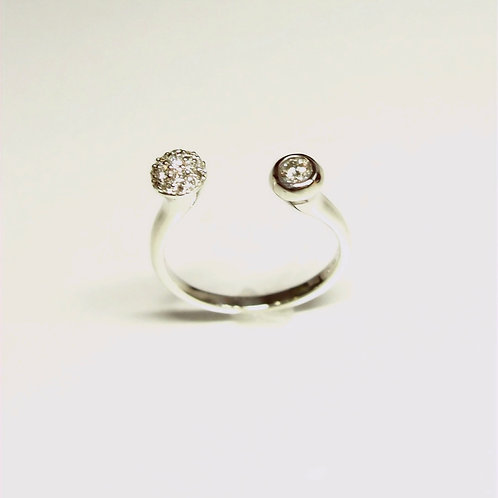 Two Faced Diamond Ring