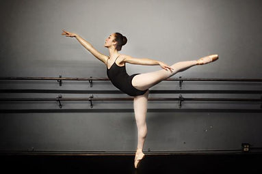 228623-676x450-ballet-dancer-practicing.