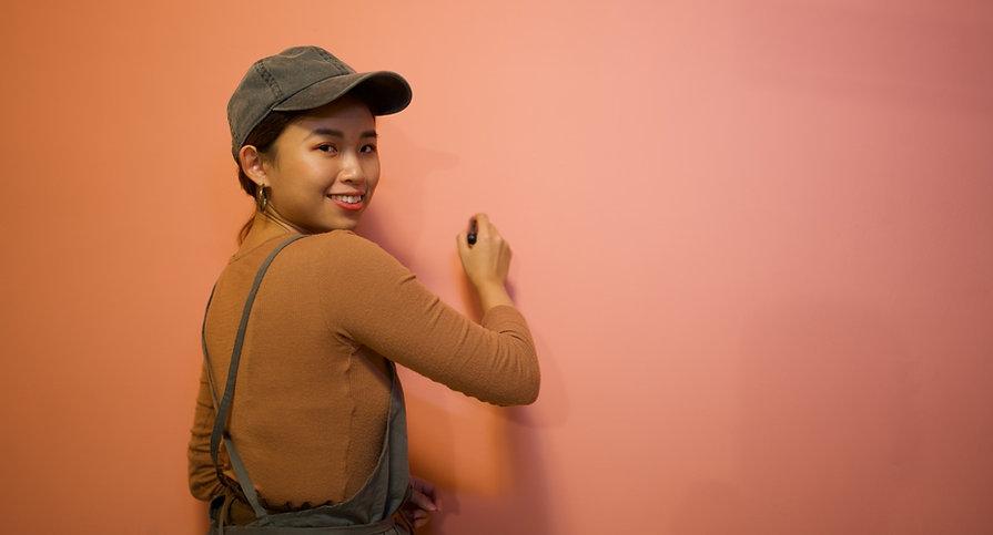 彩繪牆面的設計師