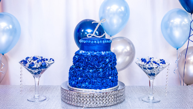 Denim and diamond treat table w/balloon