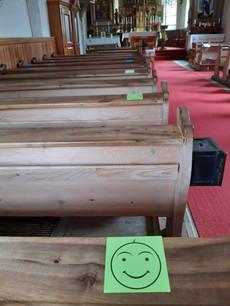 Kirchenbank mit Smily.jpg