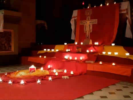Beten einmal anders - Taize-Gebet in der Pfarrkirche St. Nikolaus