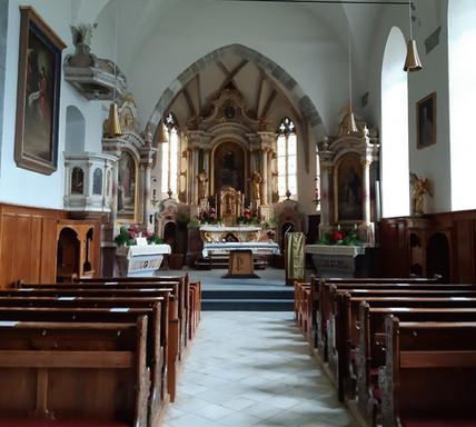 Kirche Walburg.innen.jpg