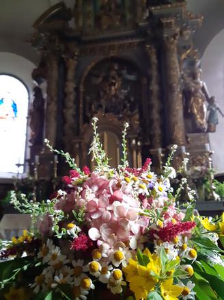 Blumen altar.jpg