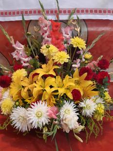 Blumen vor Altar.jpg