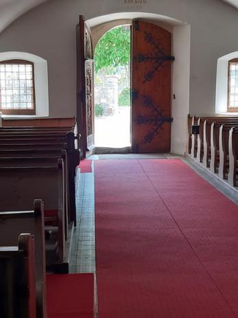 Kirchentür_von_Innen.jpg
