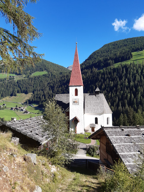 St._Gertraud_Kirche_süd.jpg