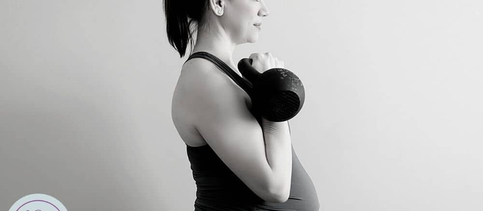 Lifting Weights While Pregnant: How to Modify Your Deadlifts, Squats, Rows and Presses