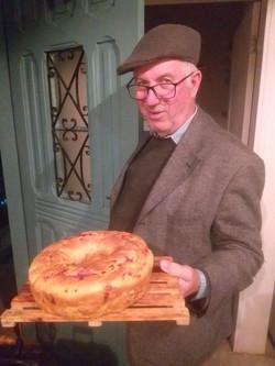 Sr. Carlos e o famoso pão de calabresa