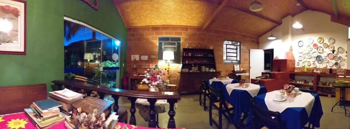 Panorâmica dentro do salão