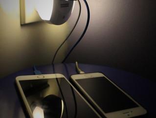 最新 USB 2個充電插座 + 小夜燈 (LED燈膽) 可預設感光自動開關