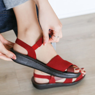 Sara, Real Support Sandals : 3,980 THB