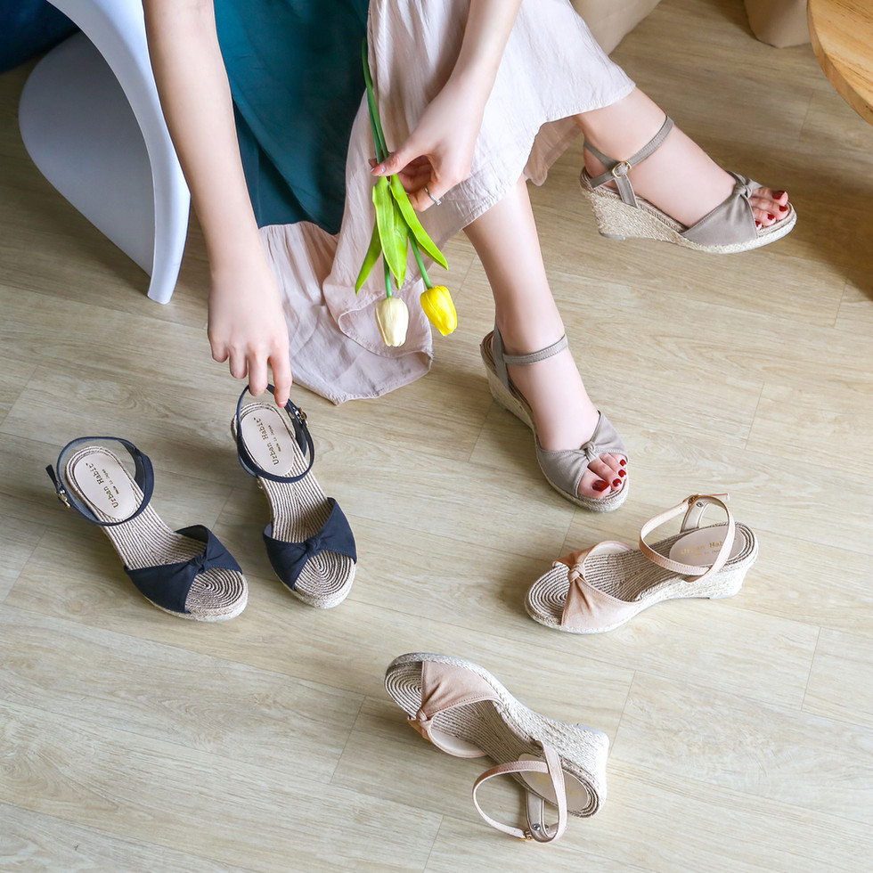 Mae, Soft Wedge Heel : 3380 THB