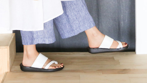 Sou, Real Support Sandals : 3,980 THB
