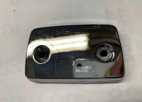 亜鉛ダイキャストにメッキ処理されていてもメッキ剥離できるんです。