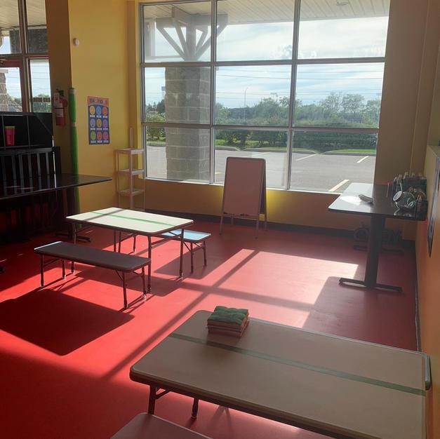 ARTS & CRAFT CLASS ROOM
