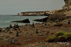 """""""Pile di sassi"""" sulla spiaggia"""
