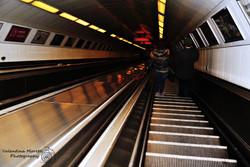 Le ripide scale mobili della metro