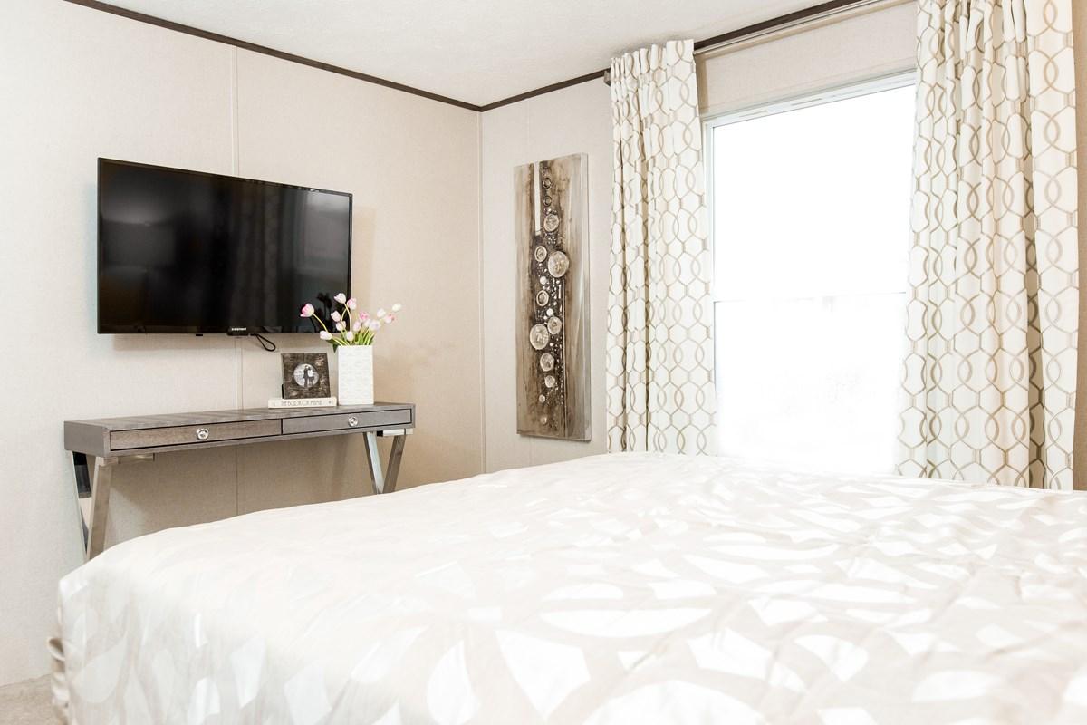 Manufactured-BLISS-36TRU14562AH-Master-Bedroom-20170323-1358017384559