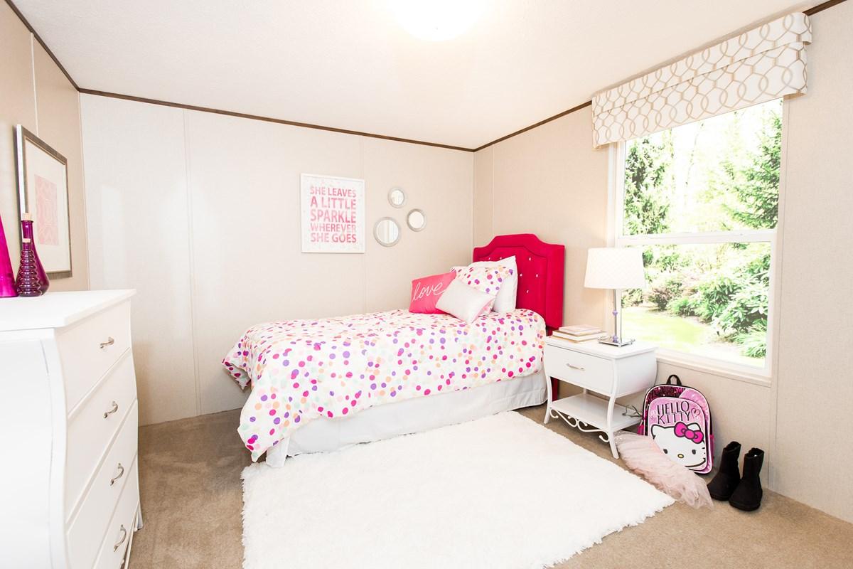 Manufactured-BLISS-36TRU14562AH-Guest-Bedroom-20170323-1357032307616