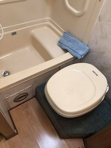 RV toilet and tub.jpg