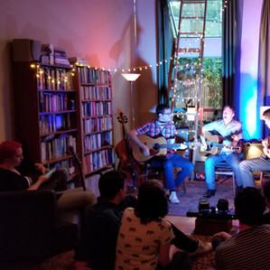 bluemorris-guitar-lessons-concert.jpg