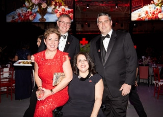 IMG_5728-Sue-and-Mike-Bodson-Stephanie-a