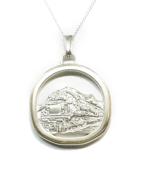 Tranzalpine Train Pendant