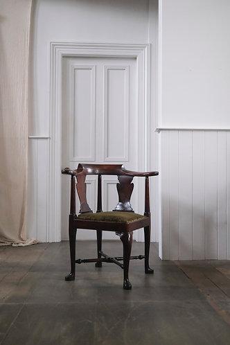 18TH CENTURY WALNUT CORNER CHAIR